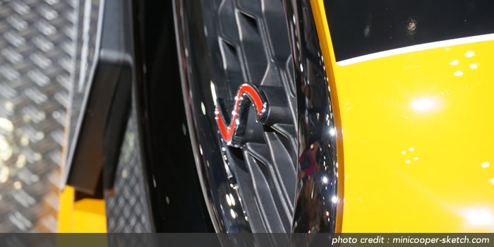 MINI F56  クーパーSのフロントグリル Sエンブレム