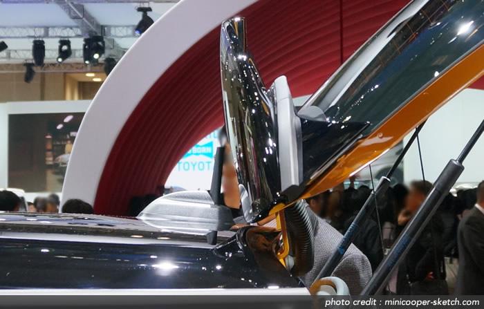MINIクーパーS F56 リアゲートオープン時のリアスポイラーとアンテナ