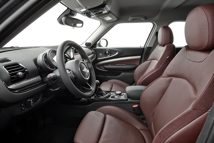 新型ミニクラブマン F54 フロントシート