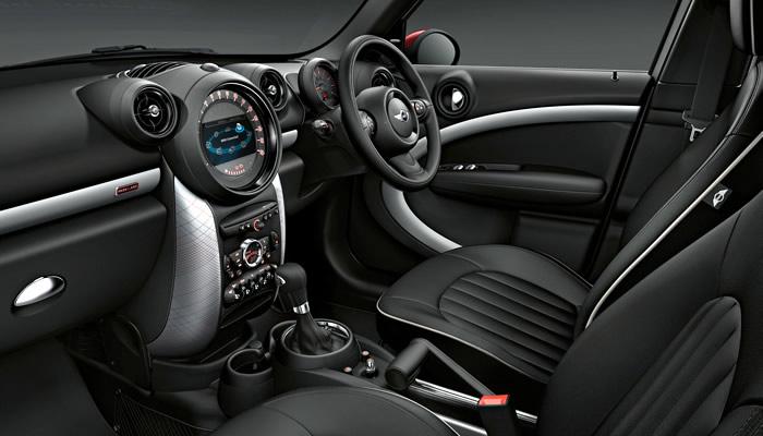 ミニクロスオーバー R60 特別仕様車 パークレーン インテリア(内装)標準のスポーツシート