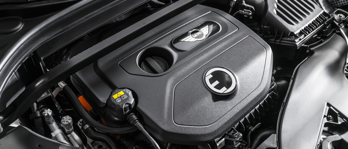 MINI クロスオーバー F60 ミニクーパーS E ALL4 プラグインハイブリッド エンジンルーム