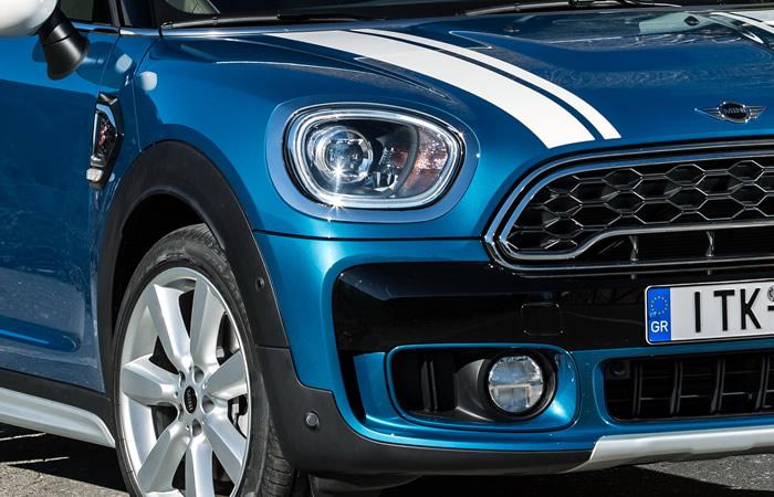 ミニクロスオーバー クーパーSD F60 アイランドブルー ホワイトルーフ ALL4エクステリア ホワイトボンネット