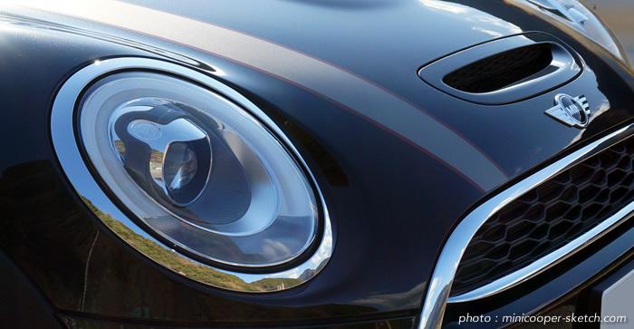 試乗車のミニ5ドア クーパーS セブン F55 ヘッドライト