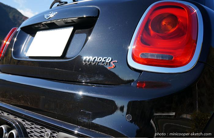 試乗車のミニ5ドア クーパーS セブン F55 グレードネーム