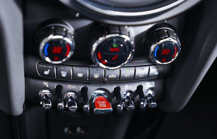 ミニ 3ドア F56 5ドア F55 マイナーチェンジ 2018年 センターコンソール