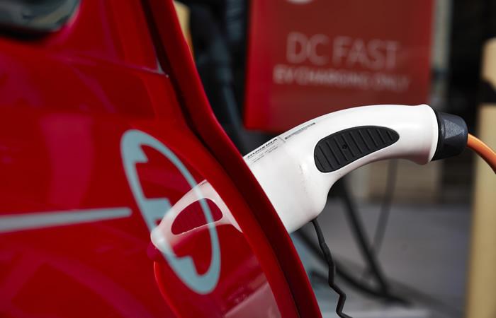 クラシックミニ EV 電気自動車 充電ソケット