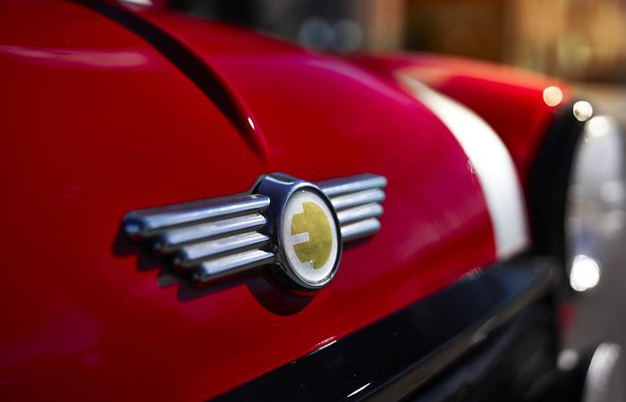 クラシックミニ EV 電気自動車 フロントエンブレム