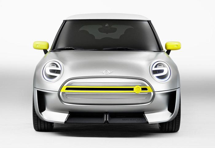 MINI E(電気自動車)コンセプトモデル フロント