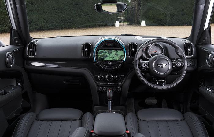 ミニクロスオーバー F60 内装 ダッシュボード全景