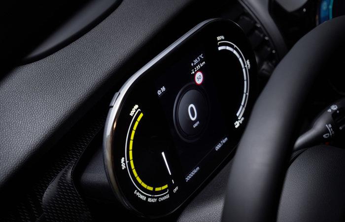 ミニクーパーSE 電気自動車 デジタルゲージ