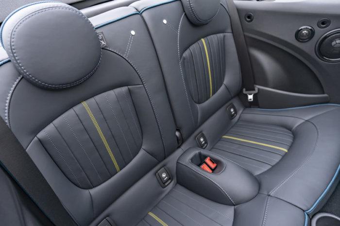 ミニコンバーチブル F57 特別仕様車 サイドウォーク レザーシート リア