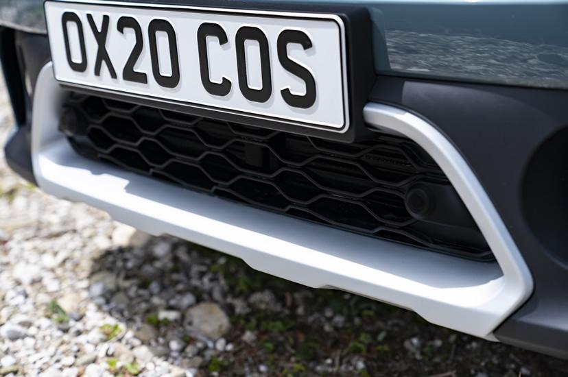 ミニクロスオーバー F60 2020年のマイナーチェンジ ALL4エクステリア