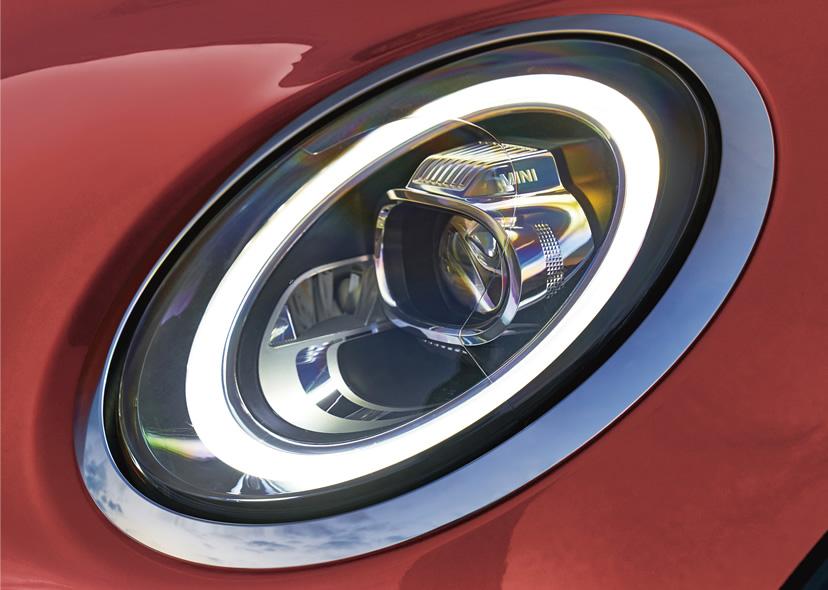 ミニ5ドア クーパーの限定車 ローズウッドエディション LEDヘッドライト