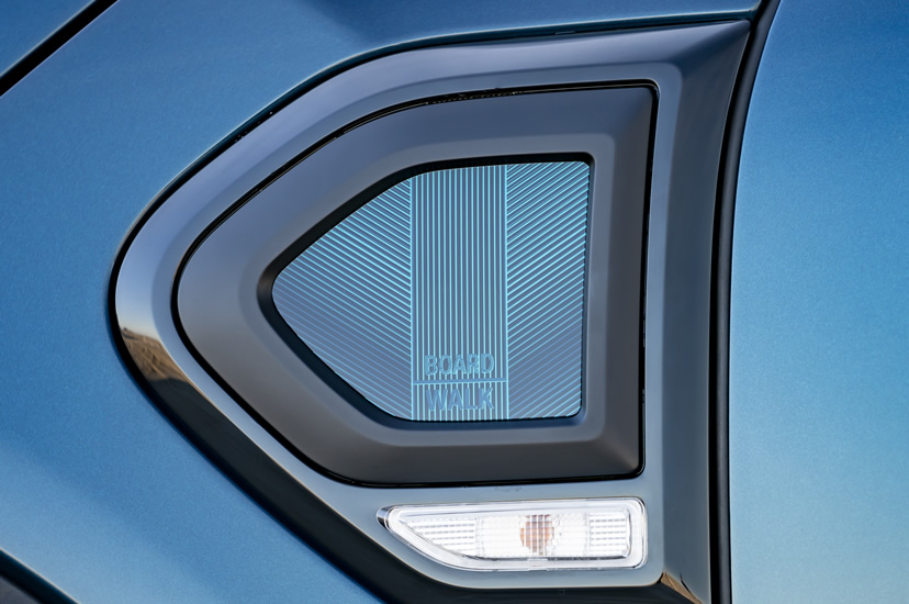 ミニクロスオーバー F60 限定車 ボードウォークエディション サイドスカットル 専用デザイン