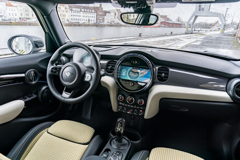 ミニ5ドア F55 クーパーS 2021年 内装