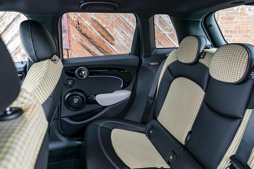 ミニ5ドア F55 クーパーS 2021年 リアシート ライトチェッカードカラー