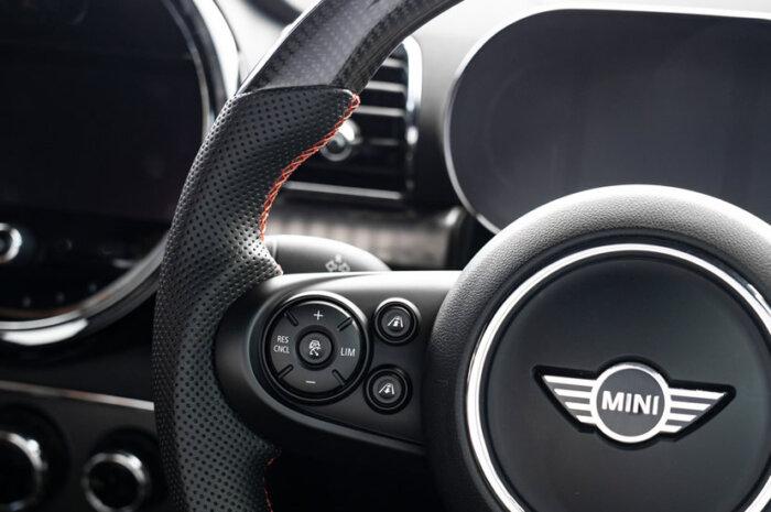MINI(F56/F55/F57/F54/F60)用ステアリング ファスピエルト MN-F5-CPRS グリップ部
